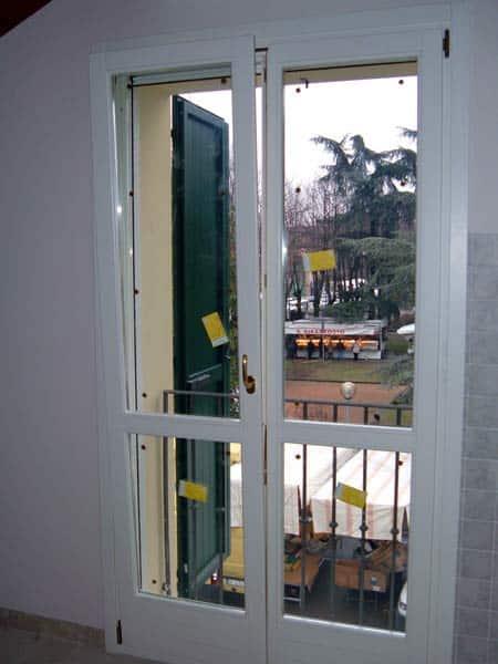 manutenzione-infissi-in-legno-mantova